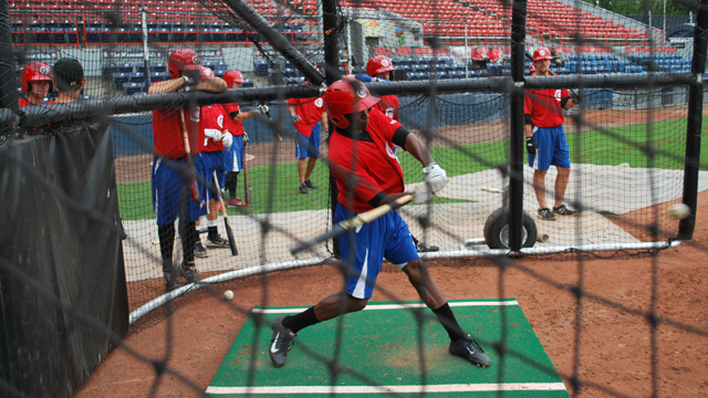 David Harris takes batting practice with the Vancouver Canadians (Charlie Caskey/Vancouver Sun)
