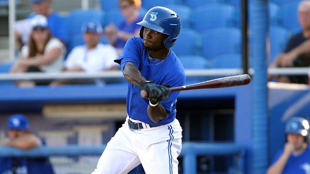 Roemon Fields began the 2015 season with Dunedin. (Cliff Welch/MiLB.com)